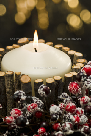 Autumn decorated candlesの素材 [FYI00780499]