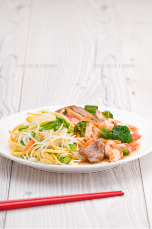 Noodles with Chicken Beef and Crab Stickの写真素材 [FYI00780535]