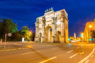 Siegestor Victory Arch Munich Germanyの写真素材 [FYI00781325]