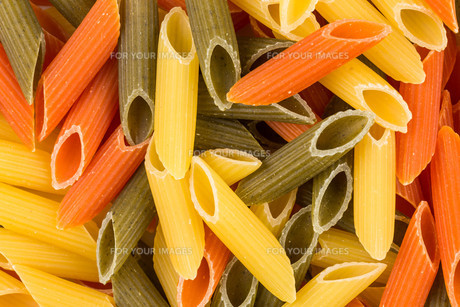 Three color penne pastaの素材 [FYI00781406]