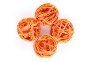 chilli orange fettuccine pastaの写真素材 [FYI00781427]