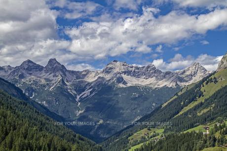 mountainsの素材 [FYI00781433]