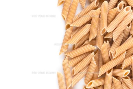 Wholegrain Penne Pastaの写真素材 [FYI00781443]