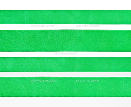 set of green satin strips isolated on whiteの素材 [FYI00781802]