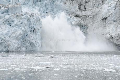 Margerie Glacier Calving, Glacier Bay National Park, Alaskaの素材 [FYI00781835]