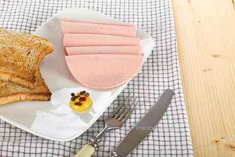 Sliced sausageの素材 [FYI00782276]