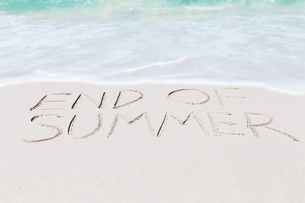 text end of summer on beachの写真素材 [FYI00782371]