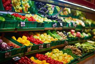 supermarket vegetablesの写真素材 [FYI00782432]