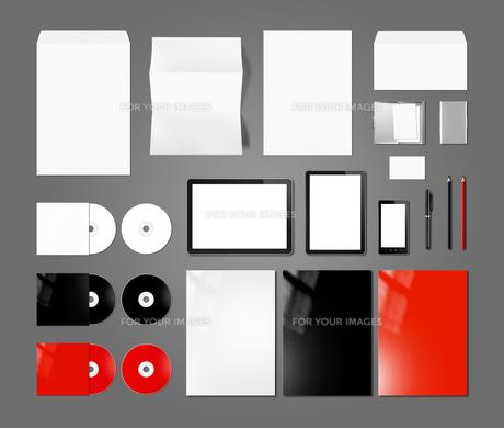 Branding identity design mockup template, dark grey backgroundの写真素材 [FYI00782542]