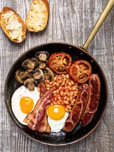rustic full english breakfastの写真素材 [FYI00782563]