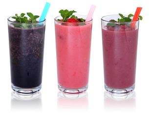 smoothie juice with fruit milkshake juice in a row cutの写真素材 [FYI00783354]