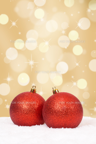 christmas balls christmas gold decoration with copy spaceの写真素材 [FYI00783366]