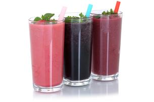 smoothie juice with fruit juice milkshake cutの写真素材 [FYI00783384]
