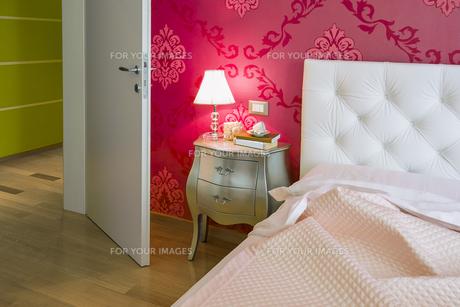 modern bedroom colorfulの素材 [FYI00784429]