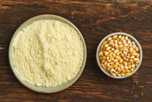corn and corn flourの写真素材 [FYI00784442]