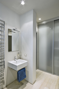modern bathroomの素材 [FYI00784444]