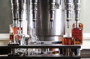Bottle filling machineの写真素材 [FYI00784460]