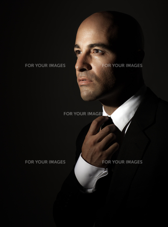 Stylish man portraitの写真素材 [FYI00784671]