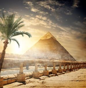 Pyramid of Khafreの写真素材 [FYI00784756]