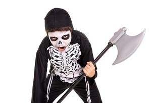 Boy in Halloween skeleton costumeの写真素材 [FYI00784777]