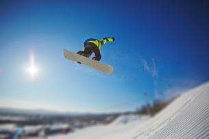 Snowboardingの写真素材 [FYI00785259]