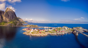 Scenic village in Norwayの写真素材 [FYI00785338]