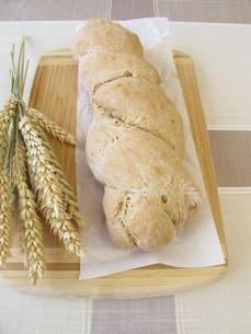 freshly baked bread rootの写真素材 [FYI00785619]