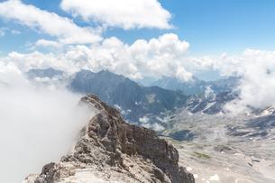 Zugspitze mountain top of Germanyの写真素材 [FYI00785651]