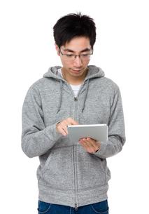 Man use of cellphoneの写真素材 [FYI00785678]