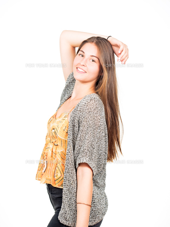 attractive young woman posingの素材 [FYI00785887]