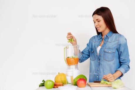 Vegetable smoothieの写真素材 [FYI00785911]