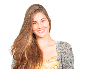 attractive young woman laughingの写真素材 [FYI00785923]