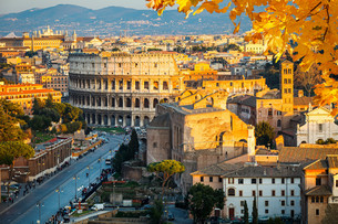 Colosseum at sunsetの写真素材 [FYI00785983]