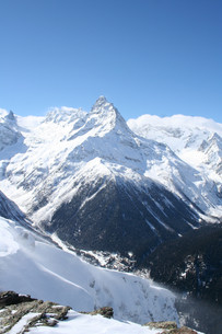 Mountain valleyの写真素材 [FYI00786362]