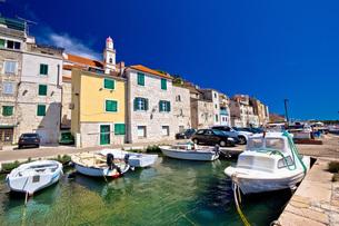 Colorful Sibenik old stone harborの写真素材 [FYI00786411]