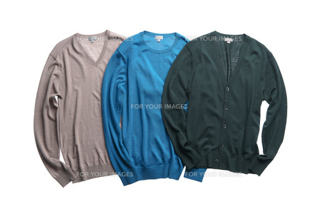 Three different color swetersの写真素材 [FYI00786612]