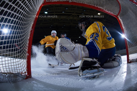 ice hockey goalkeeperの写真素材 [FYI00786876]