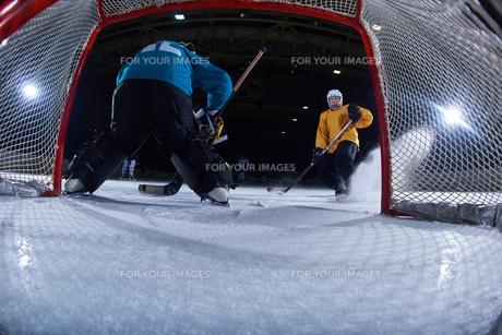 ice hockey goalkeeperの写真素材 [FYI00786877]