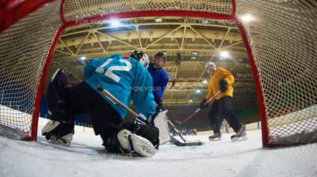 ice hockey goalkeeperの写真素材 [FYI00786878]