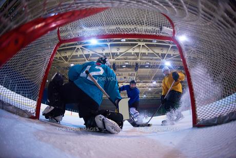 ice hockey goalkeeperの写真素材 [FYI00786884]
