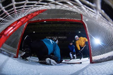 ice hockey goalkeeperの写真素材 [FYI00786889]