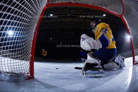 ice hockey goalkeeperの写真素材 [FYI00786908]