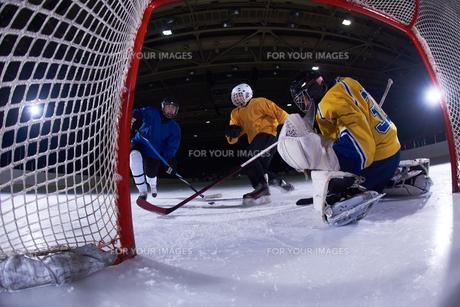 ice hockey goalkeeperの写真素材 [FYI00786910]