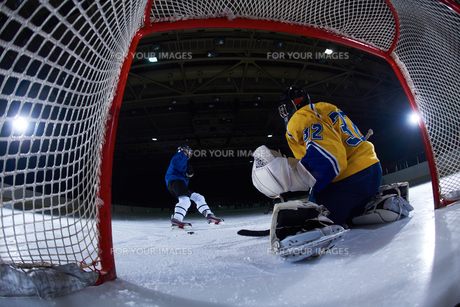 ice hockey goalkeeperの写真素材 [FYI00786911]