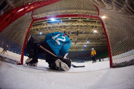 ice hockey goalkeeperの写真素材 [FYI00786916]