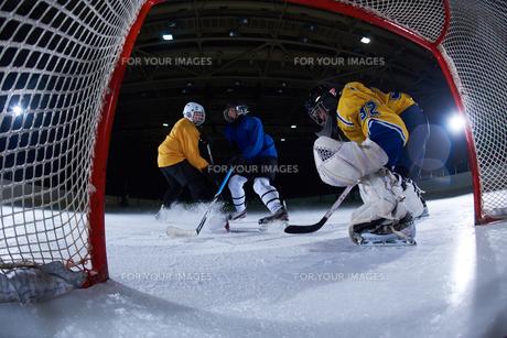 ice hockey goalkeeperの写真素材 [FYI00786928]