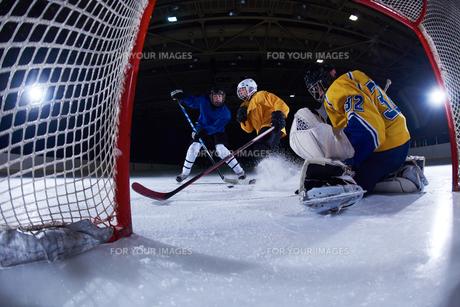 ice hockey goalkeeperの写真素材 [FYI00786944]