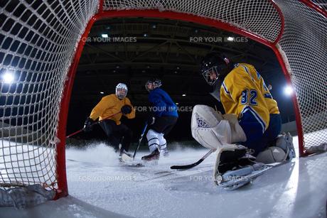 ice hockey goalkeeperの写真素材 [FYI00786946]