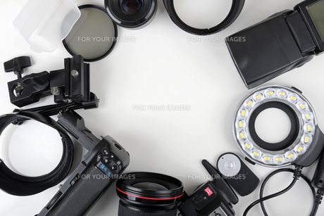 top view of photo lenses and equipmentの写真素材 [FYI00786988]