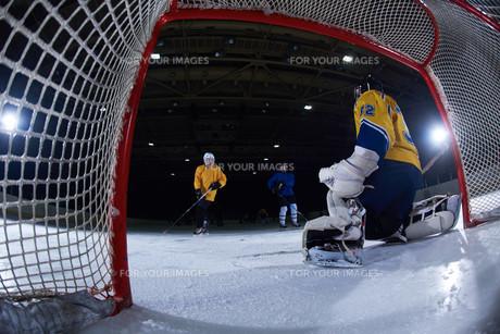 ice hockey goalkeeperの写真素材 [FYI00787154]